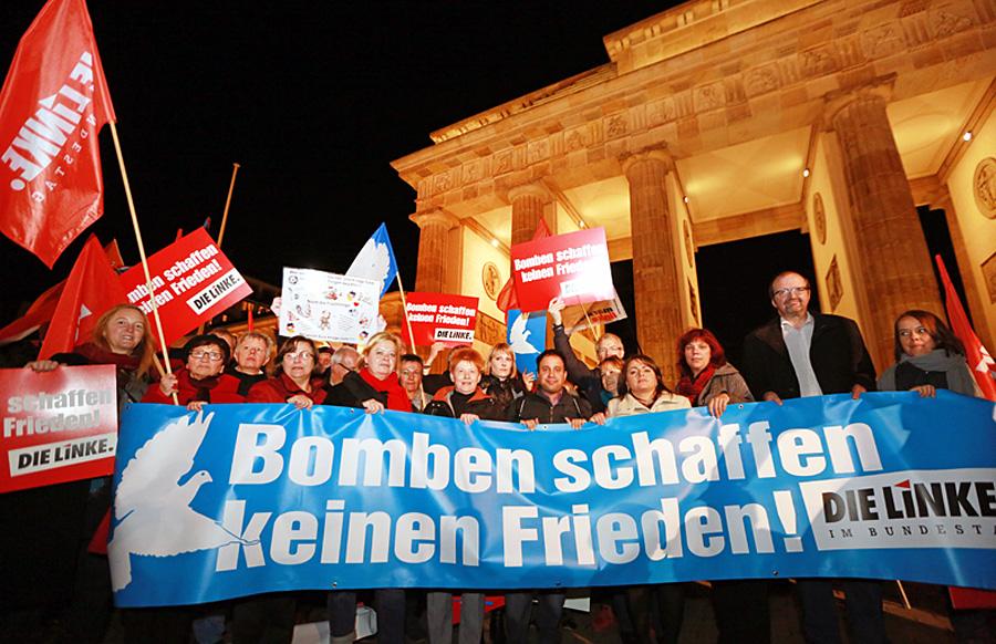 Die Linke protestiert gegen den Einsatz der Bundeswehr in Syrien.