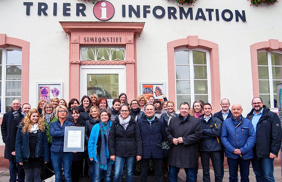 Das Team der ttm mit Geschäftsführer Thomas Egger (rechts). Foto: ttm