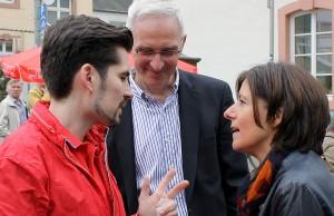 Noch drei Prozent, das sollte dann reichen: Teuber mit Ministerpräsidentin Malu Dreyer und Oberbürgermeister Wolfram Leibe.