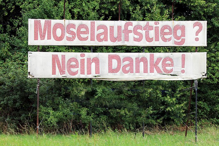 """""""...damit CDU-Größen rote Bänder durchschneiden dürfen"""", müsseder Moselaufstieg kommen, kritisiert Corinna Rüffer von den Grünen."""