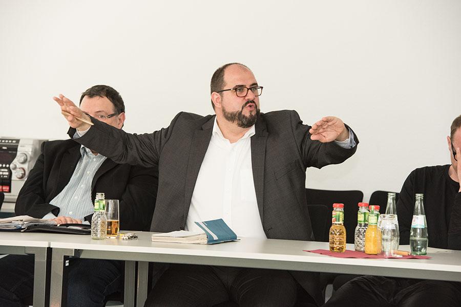 Egger redete sich am Mittwochmorgen geradezu in Rage. Foto: Rolf Lorig