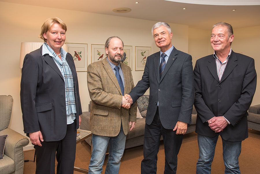Führungswechsel bei der FWG Trier: Hermann Kleber (2. v. r.) übergibt an Hans-Alwin Schmitz. Mit dabei die beiden Stellvertreter Christiane Probst und Jörg Schädlich.
