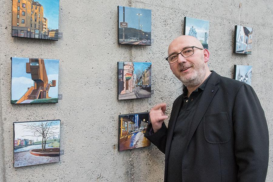 Der Künstler und seine Werke. Fotos: Rolf Lorig