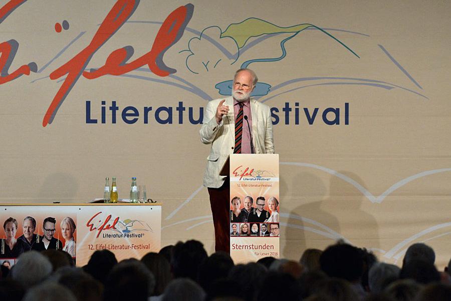 Manfred Lütz begeisterte seine Zuhörer in Prüm. Fotos: Harald Tittel/ELF