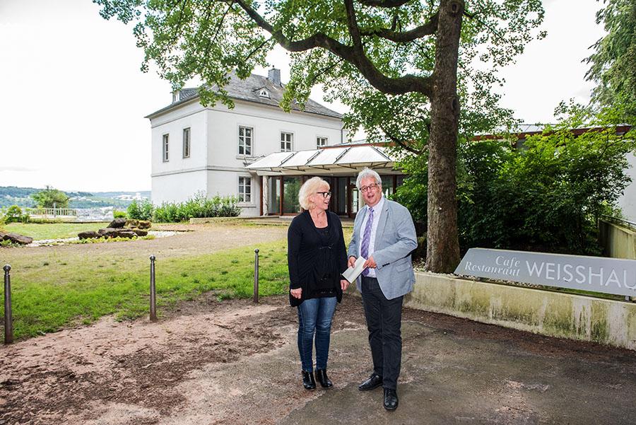 Sie arbeiten an der Zukunft des Weisshaus: Objektmanagerin Manuela Wilbert und Baudezernent Andreas Ludwig. Fotos: Rolf Lorig