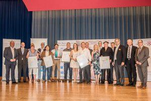 Sonder- und Hauptpreisträger mit Veranstalter und Sponsoren
