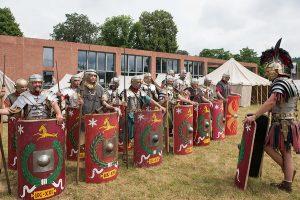Römische Legionäre beim Appell.