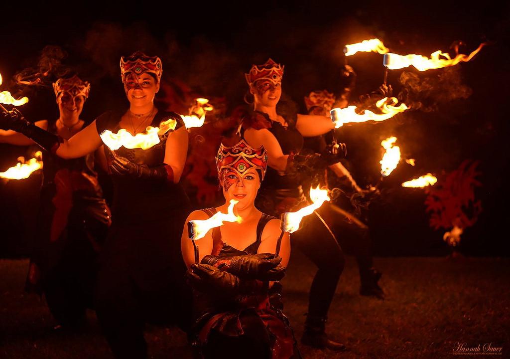 Die Socieats Draconis und ihre Feuershow. Foto: Hannah Sauer