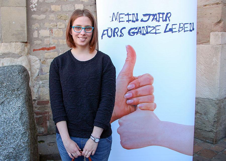 Hanna Ternes aus Esch macht ihr FSJ in Maria Grünewald. Foto: Bischöflische Pressestelle