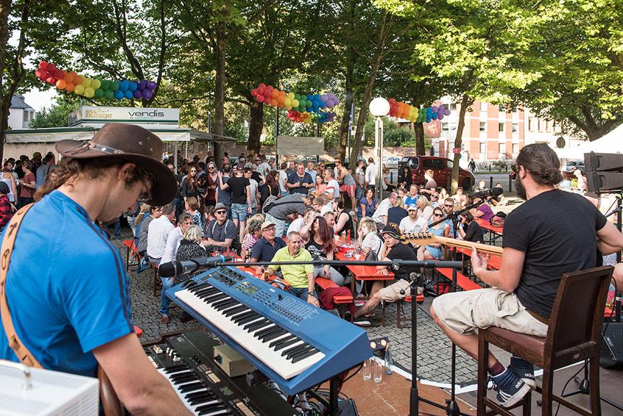 Musik und ein fröhliches Miteinander beim Sommerfest. Fotos: Rolf Lorig
