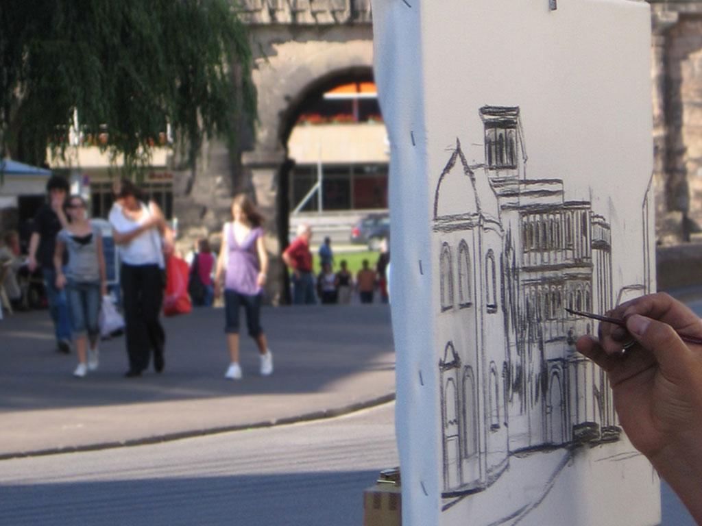 Zeichner vor der Porta Nigra. Foto: ttm
