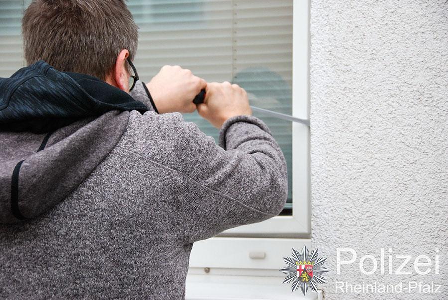 Nur ein gesichertes Fenster bietet Schutz vor Einbrechern.
