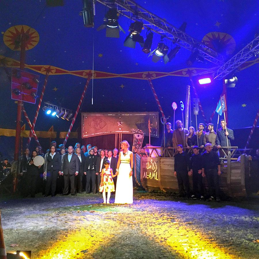 Das Schlussbild mit allen Akteuren. Foto: Rolf Lorig