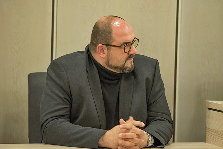 Es ist einsam um ihn geworden. Vielleicht nutzt Thomas Egger seinen letzten Auftritt vor dem Rat am 12. Dezember zur Generalabrechnung. Foto: Rolf Lorig