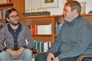 Assenmacher und Parteichef Tobias Schneider hoffen auf ein gutes Ergebnis für die Liberalen im Wahlkreis Trier.