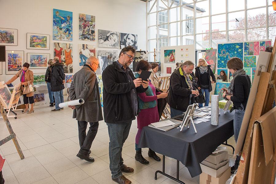 Kein anderer Kunstmarkt in der Region bietet so viele Möglichkeiten und Ausdrucksformen wie der Markt der Künste. Fotos: Rolf Lorig