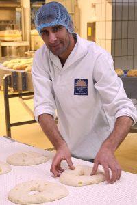 Ezat Khwaja arbeitet jetzt bei der Biebelhausener Mühle.