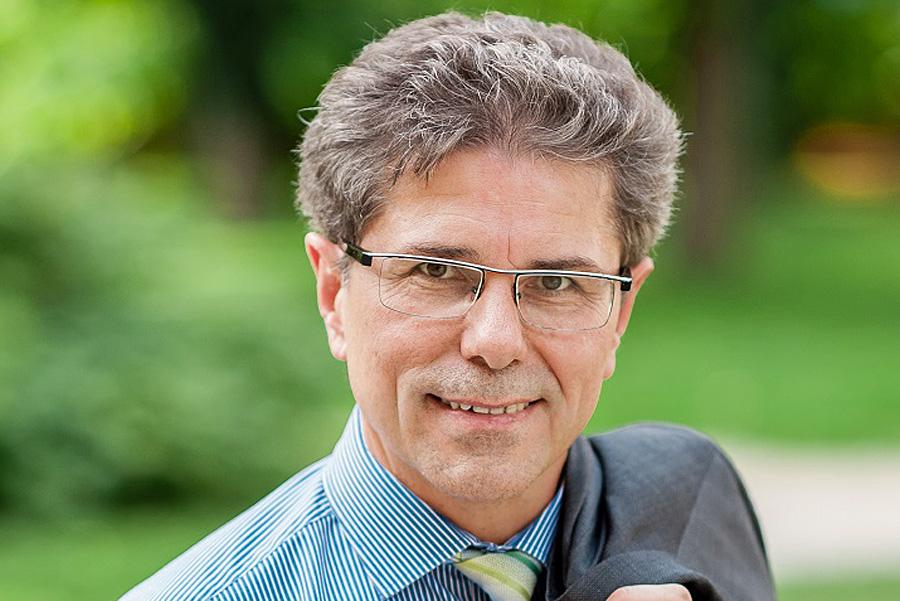 Seine Website suggeriert Kompetenz: Harald Reinhard, Bürgermeister in Buchenbach. Foto: Screenshot / Homepage H. Reinhard